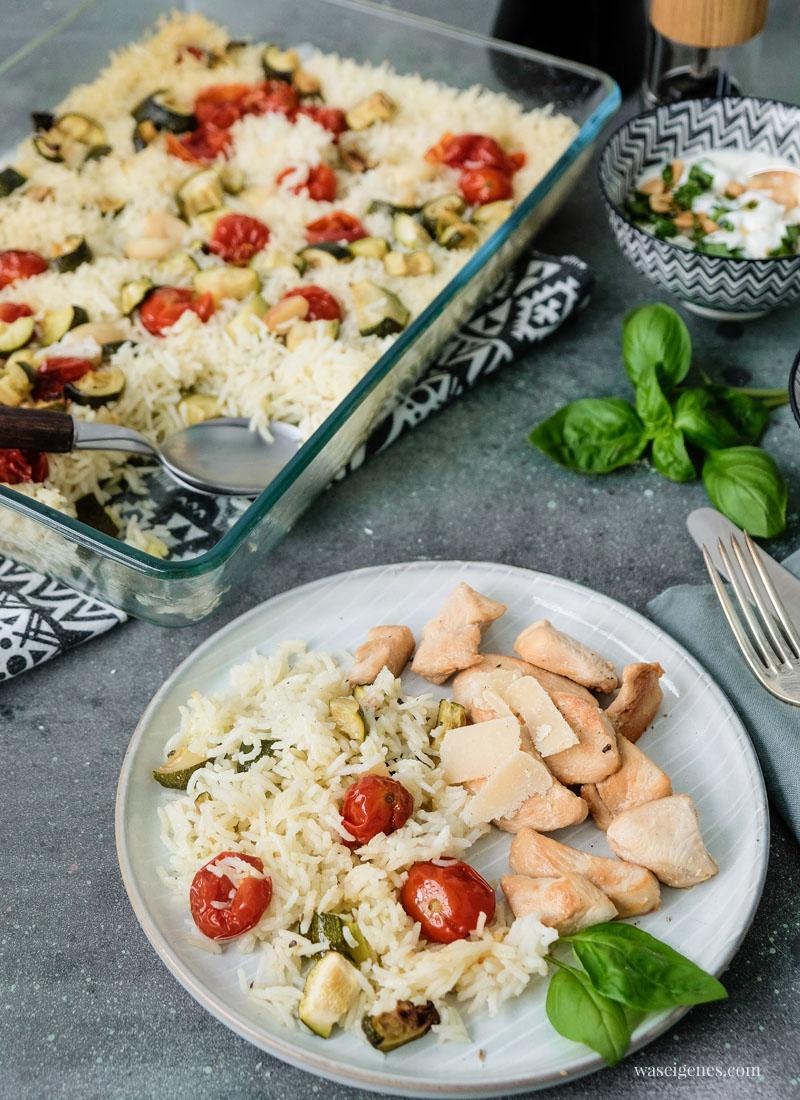10 Zutaten - ein Gericht: Gebackener Reis mit Kirschtomaten und Zucchini an Sherry-Hähnchen, waseigenes.com