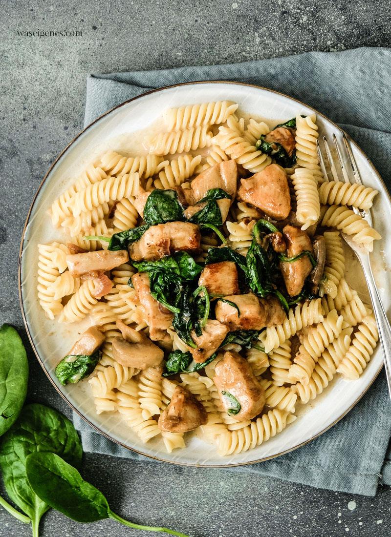 Rezept: Pasta mit Hähnchenbrust, Blattspinat & Champignons | waseigenes.com