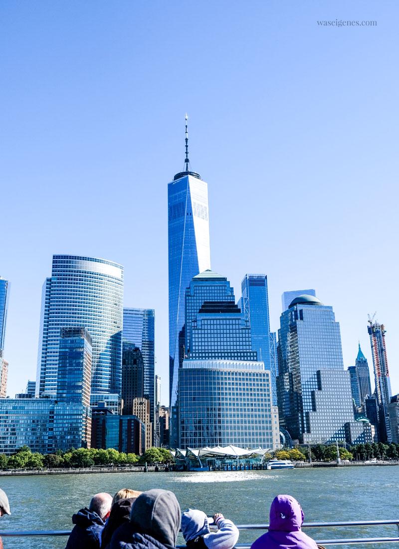 New York: Blick vom Boot (Hudson) auf die Skyline von New York, One World Center, waseigenes.com