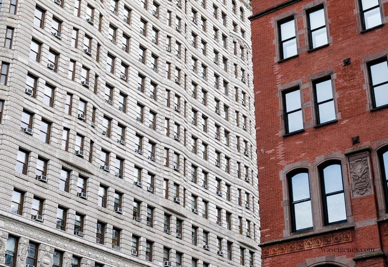 New York: Hausfassenden - Flatiron Building | waseigenes.com