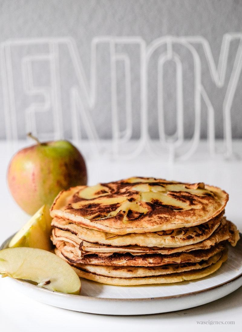 Grundrezept: Pfannkuchen mit Äpfeln | Köstliche Apfelpfannkuchen #Pfannkuchen #Eierkuchen #Apfelpfannkuchen | waseigenes.com