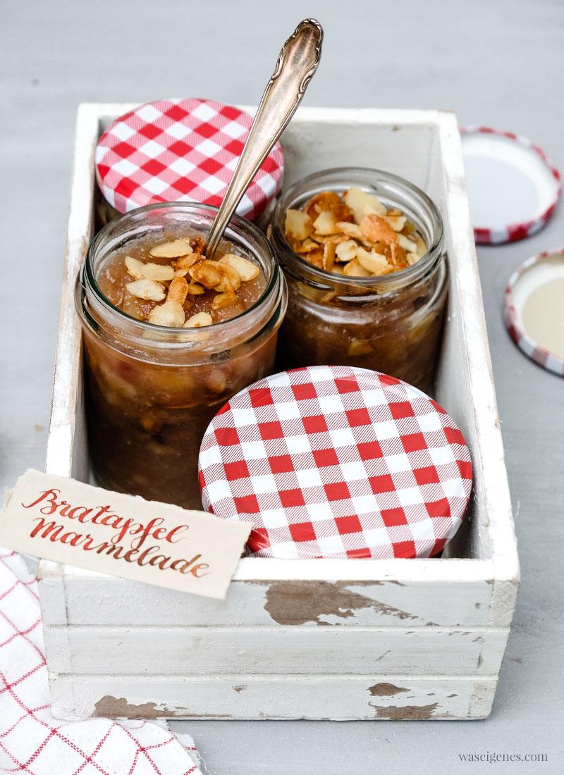 Gruß aus der Küche: Rezept Bratapfel Marmelade mit Marzipan und karamellisierten Mandeln, süßer Brotaufstrich, waseigenes.com