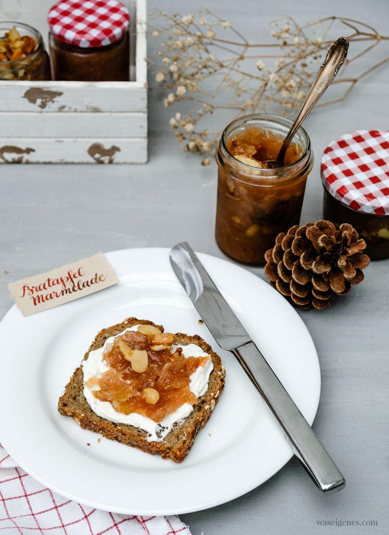 Gruß aus der Küche: Bratapfel Marmelade mit Marzipan und karamellisierten Mandeln, süßer Brotaufstrich, waseigenes.com