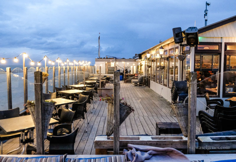 Strandpaviljoen Noordduine - gutes Essen, nettes Personal, gemütliches Restaurant mit großer Terrasse, Urlaub in Holland, waseigenes.com