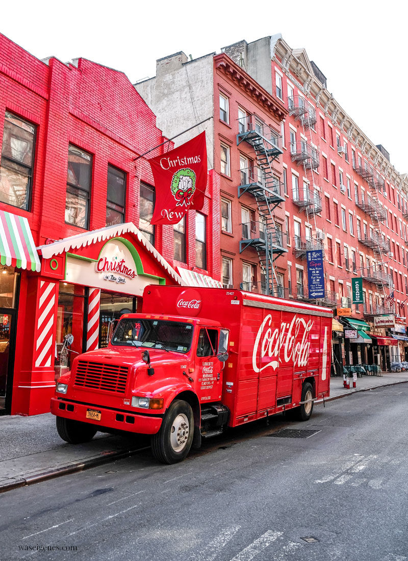 Travel New York: Little Italy | Christmas Store & Coca Cola Truck | waseigenes.com