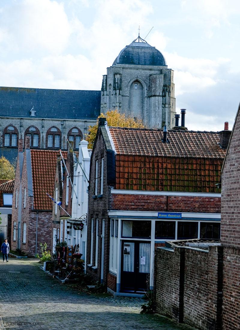 Holland - Niederlande: Veere, Onze-Lieve-Vrouwekerk, Kirche von 1479,  waseigenes.com
