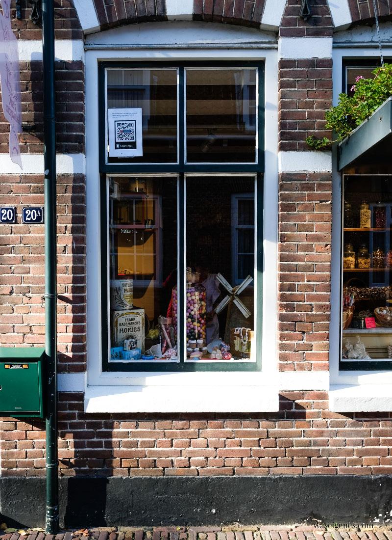 Holland - Niederlande: Veere, hübsches Dörfchen mit historischem Stadtkern in der Provinz Zeeland, Omas Shoepwinkel, Bonbon Geschäft, waseigenes.com