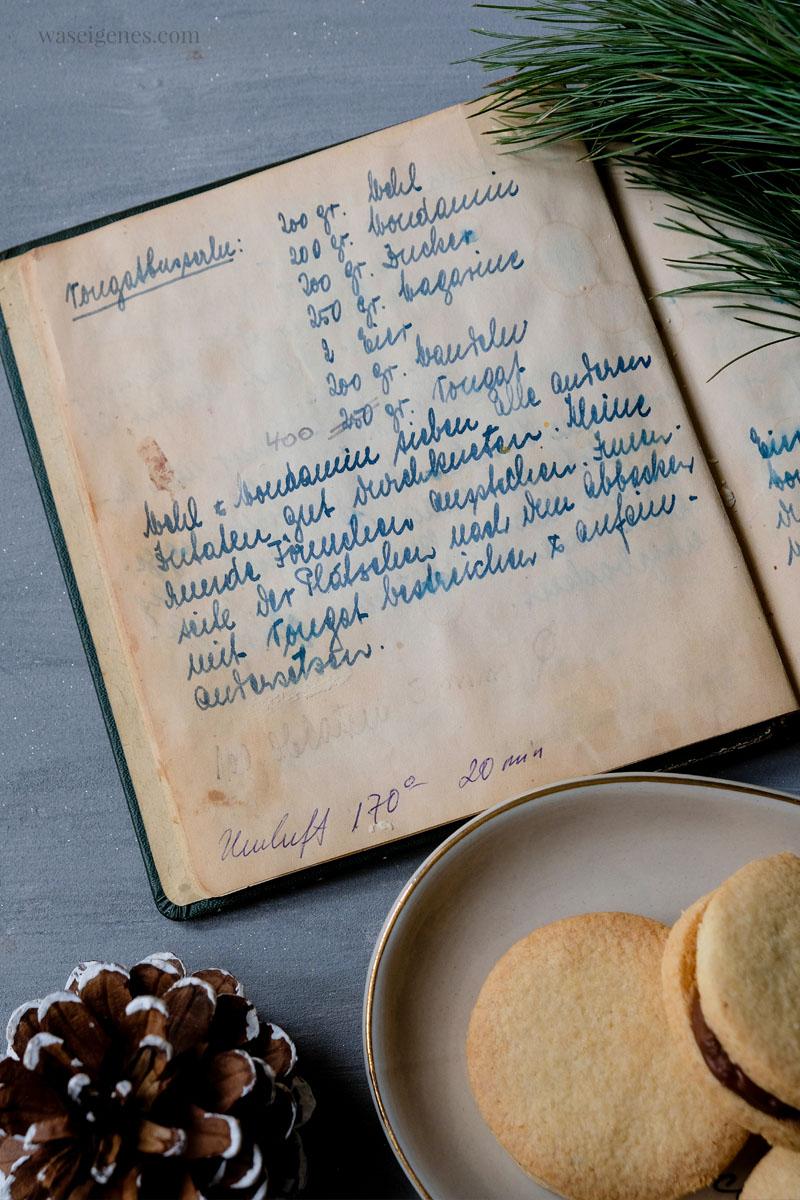 Altes Rezeptbuch meiner Oma Anneliese: Nougat Plätzchen Rezept für die Weihanchtszeit | waseigenes.com