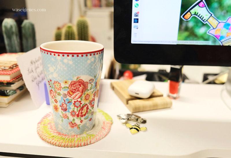 12 von 12 im Februar 2020 | Mein Tag in Bildern | waseigenes.com | Kaffeetasse und DIY Untersetzer aus Kordel