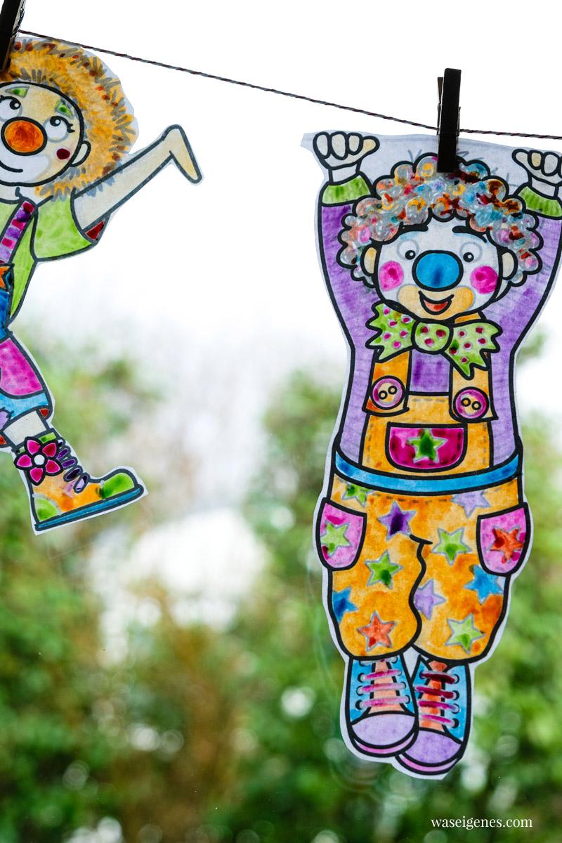 DIY Fensterdeko zur 5. Jahreszeit: Fröhlich bunte Clowns-Girlande | waseigenes.com