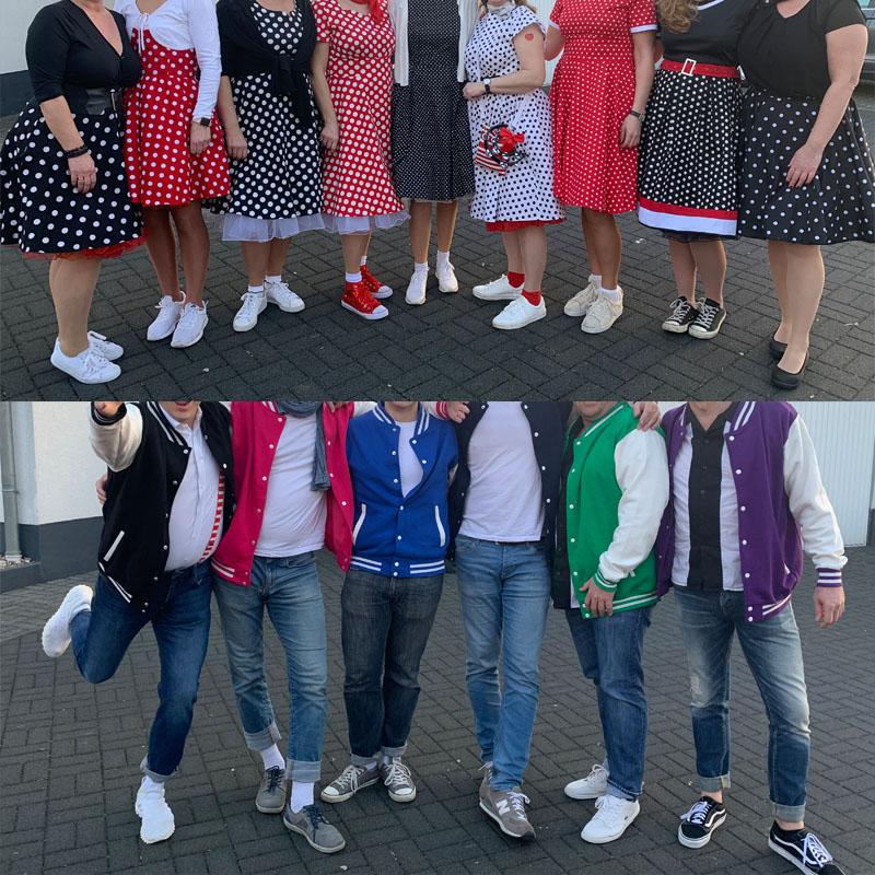 Karnevalskostüm | Gruppenkostüm: Rockabilly. Pünktchenkleider und bunte Baseballjacken | waseigenes.com