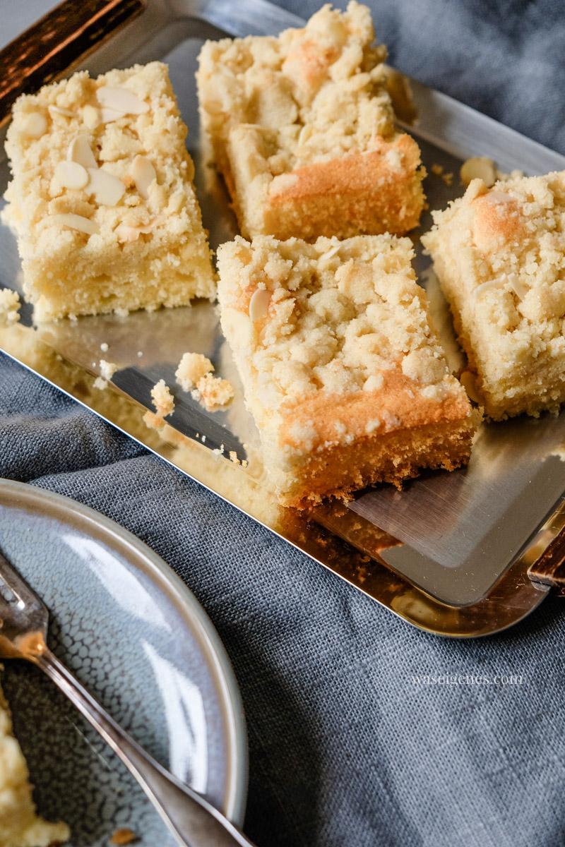 Einfach leckerer Streuselkuchen mit Mandelstreusel. Rezept für einen Blechkuchen | waseigenes.com