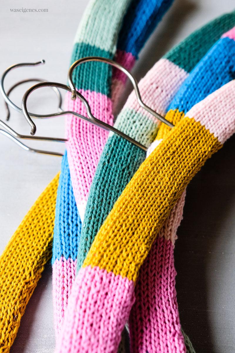 DIY Kleiderbügel  umstricken, damit Blusen nicht runterrutschen | Bezogene Bügel, waseigenes.com