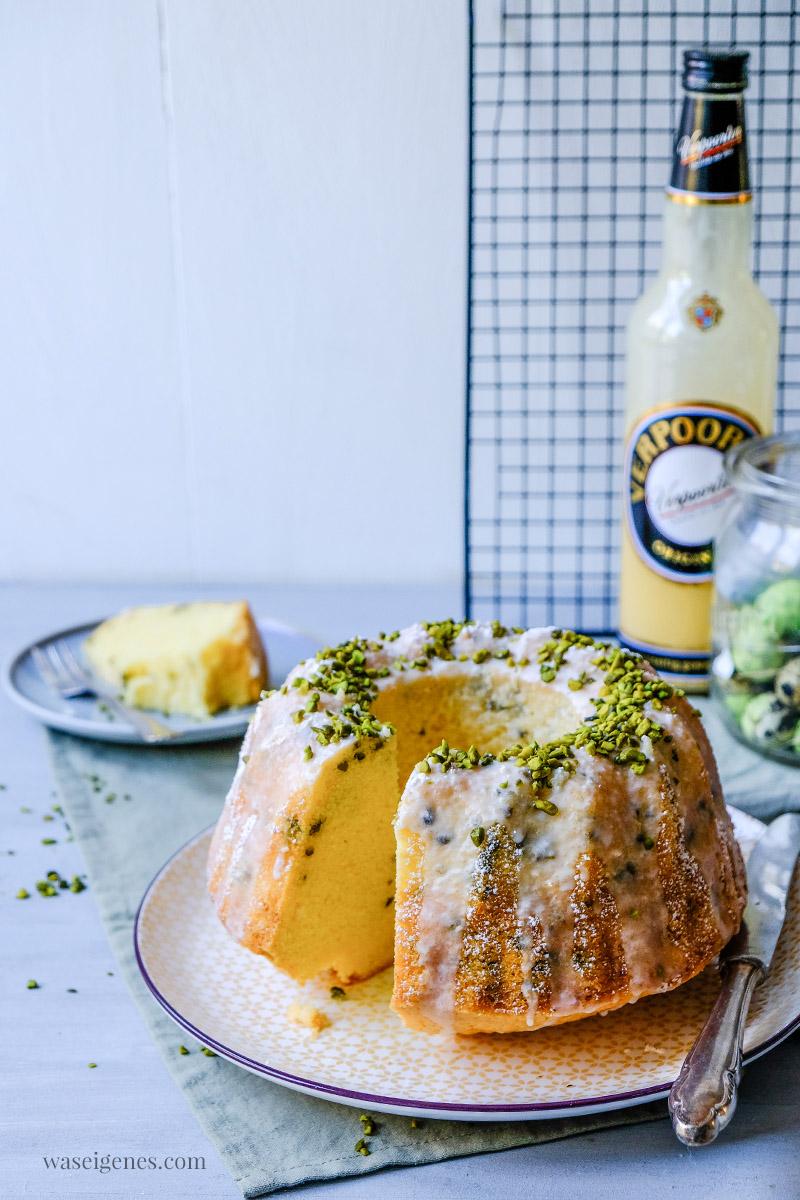 Rezept: Saftiger Gugelhupf mit Eierlikör und Pistazien, waseigenes.com