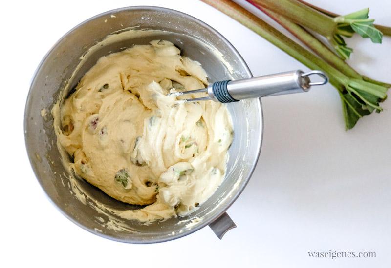 Teig für einen leckeren Rhabarberkuchen, waseigenes.com #we #waseigenes #rhabarberkuchen