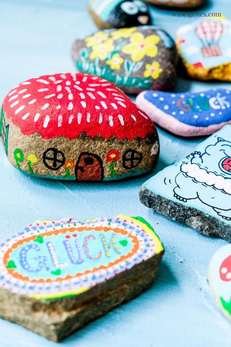 DIY Steine bemalen {painted rocks} | finden, freuen, posten, wieder verstecken | waseigenes.com #waseigenes #bemalteSteine #Steinebemalen