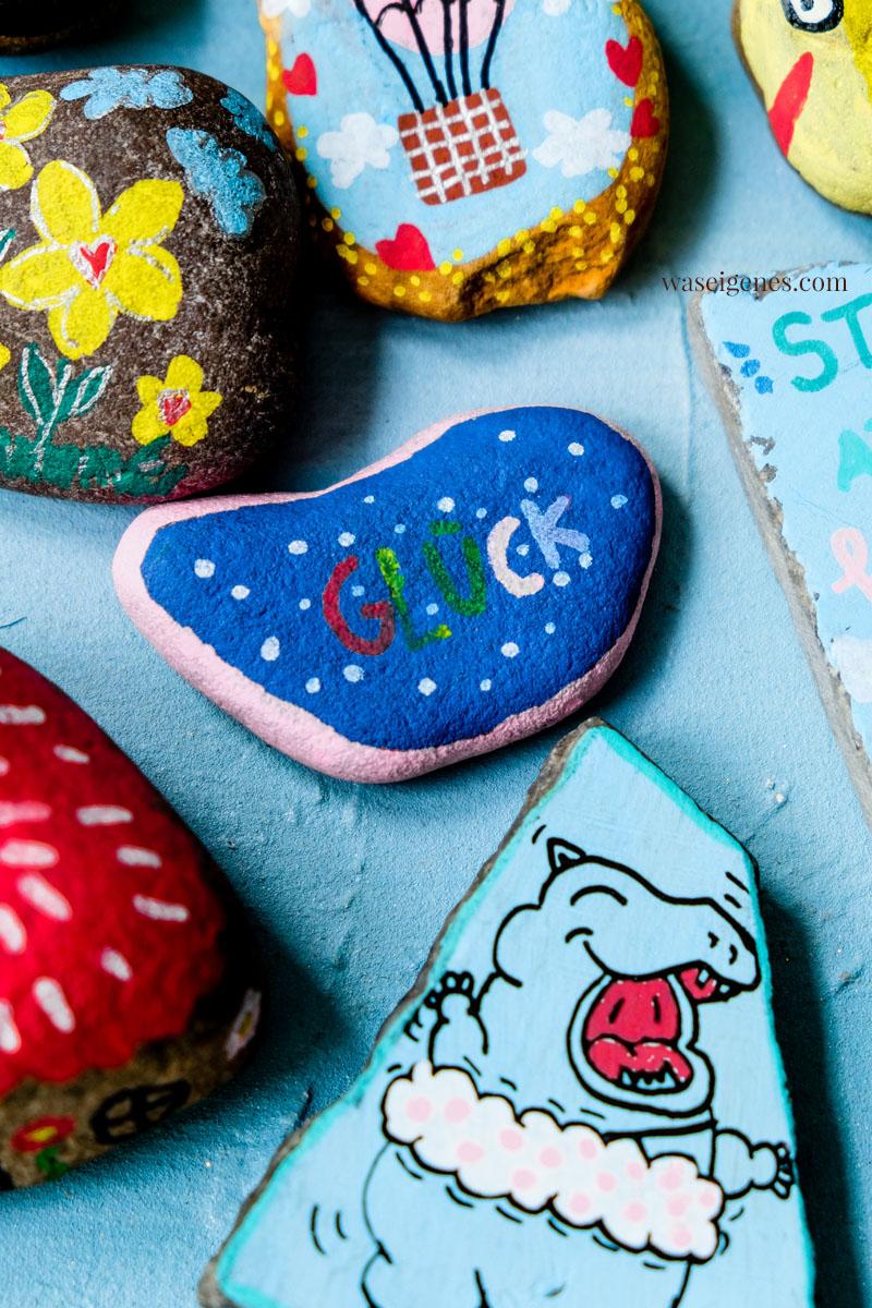 Kreative Meditation: Steine sammeln und bemalen | waseigenes.com #waseigenes #steinebemalen #Glück