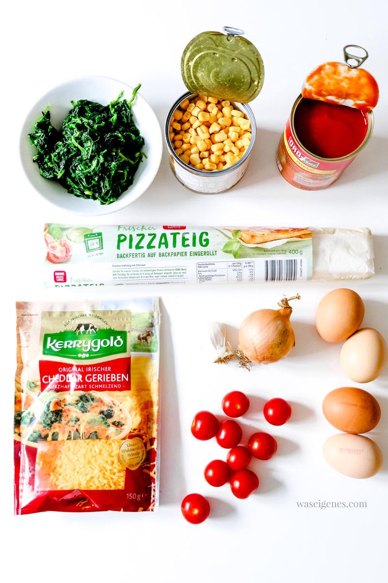 Rezept: Spinat-Pizza mit Mais, Honigtomaten und Spiegelei | waseigenes.com #we #waseigenes #spinatpizza