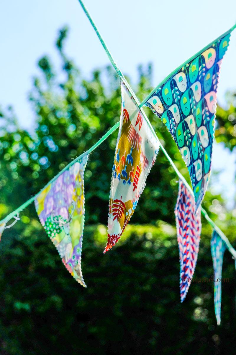DIY Wimpelkette aus beschichteter Baumwolle, waseigenes.com #we #waseigenes #DIY #Wimpelkette