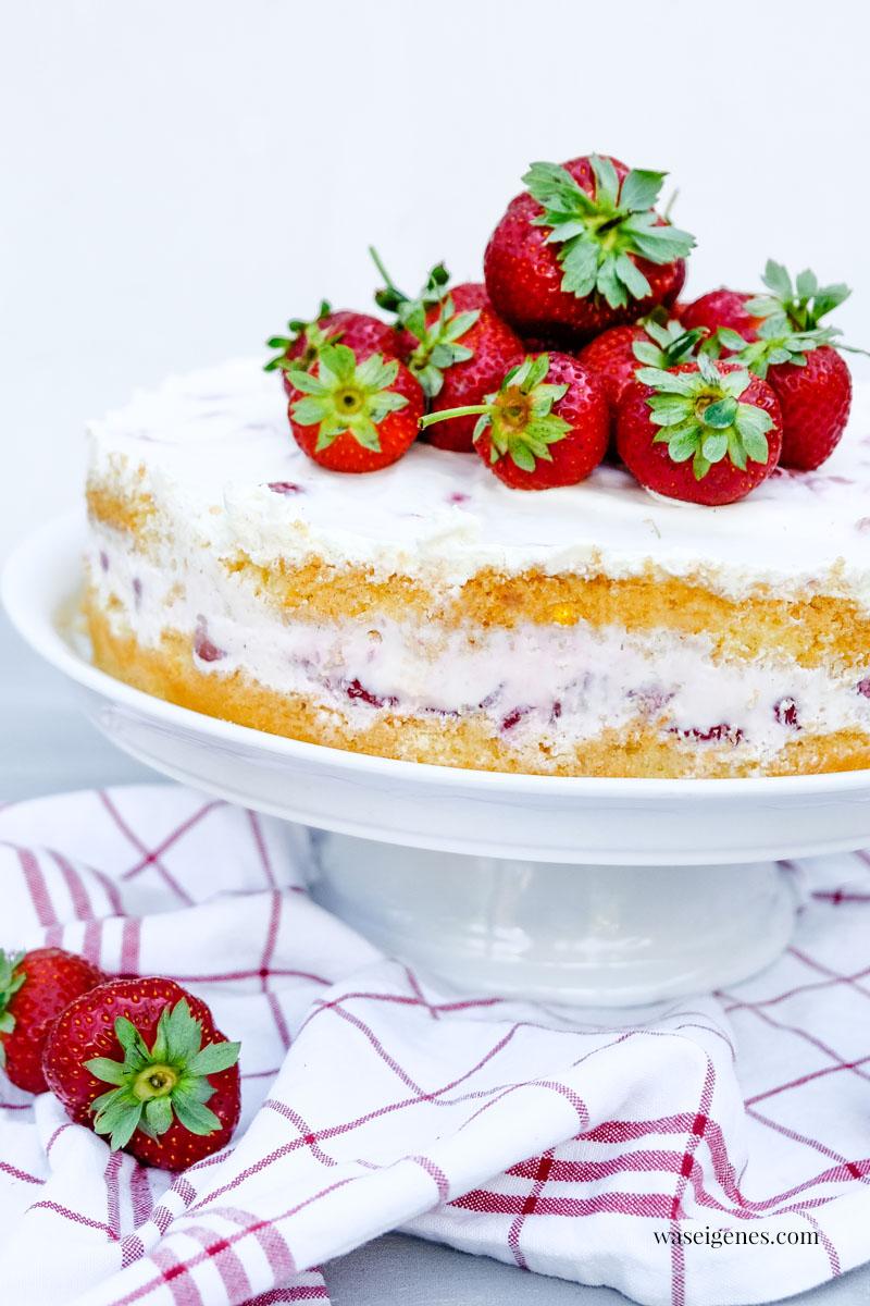 Rezept: Erdbeer-Biskuit-Torte mit  Sahne-Quark-Creme | waseigenes.com Kuchenrezept