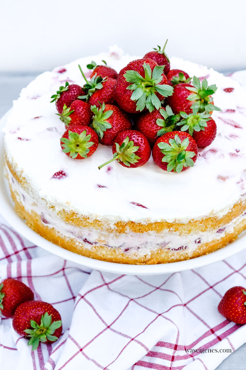 Erdbeer-Biskuit-Torte mit  Sahne-Quark-Creme | waseigenes.com