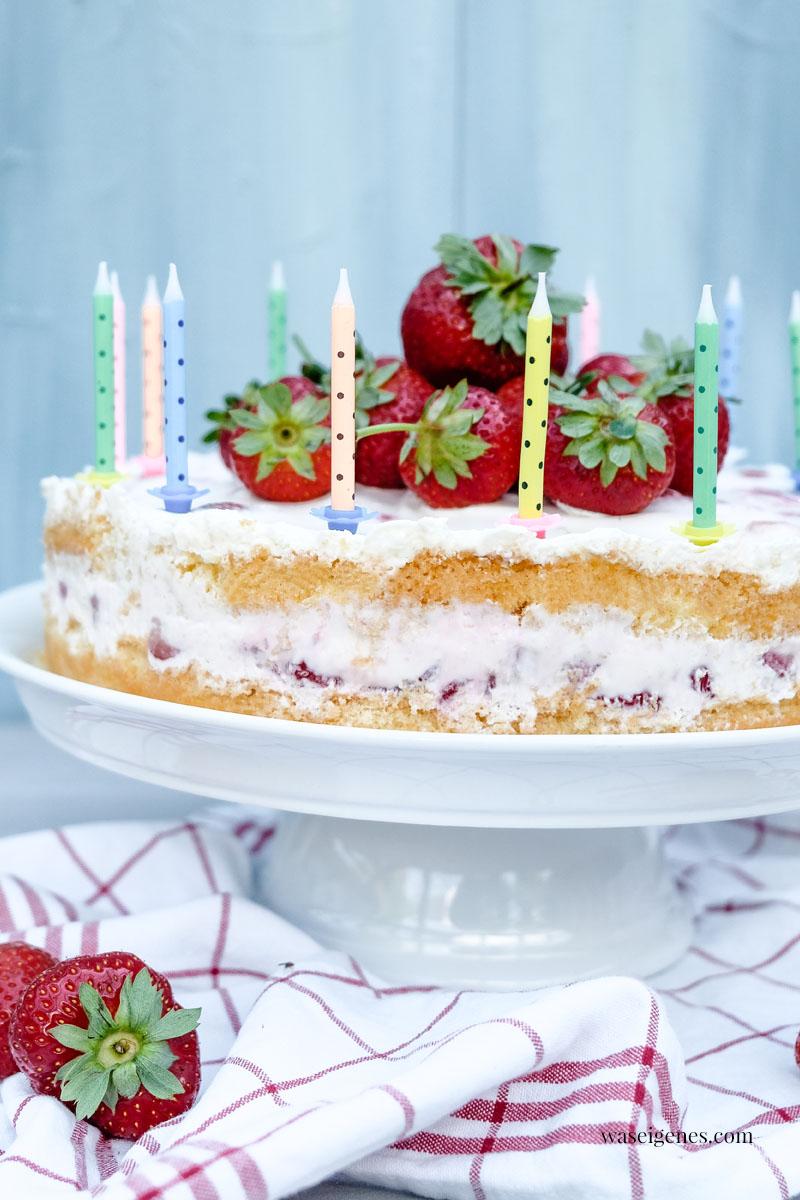 Erdbeer-Biskuit-Torte mit  Sahne-Quark-Creme - Schichtorte mit Biskuitboden und Erdbeercreme dazwischen | waseigenes.com