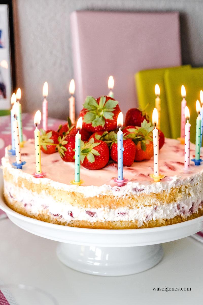Geburtstagskuchen: Biskuitböden mit Erdbeer-Sahne-Creme | waseigenes.com #waseigenes #erdbeerkuchen #biskuitkuchen #torte #geburtstagskuchen