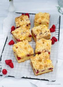 Rezept für einen Streuselkuchen mit Himbeeren und Vanillepudding | waseigenes.com