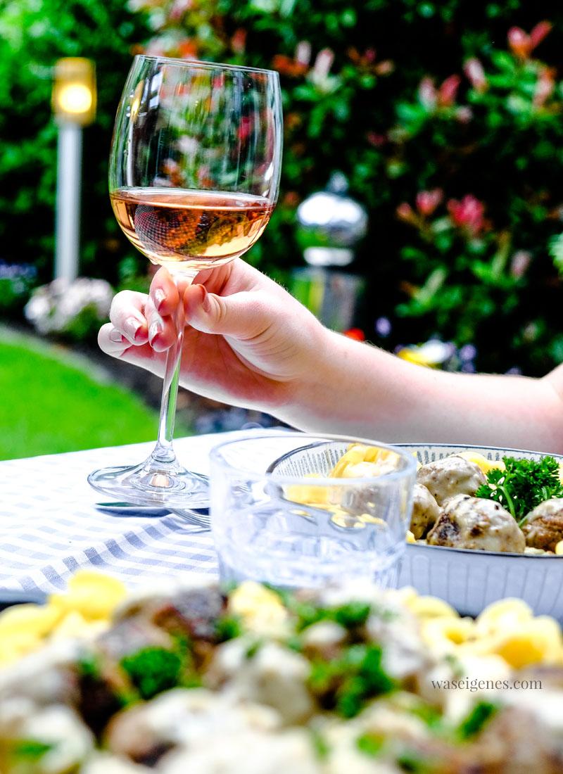 Aromatischer Sommerwein: Roccia Rosso Rosato - ein feiner Rosé Wein von Weinfreunde | waseigenes.com