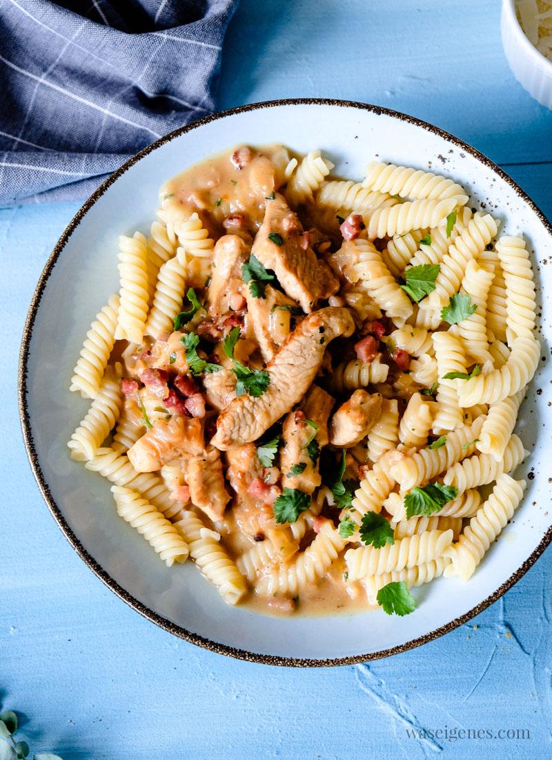 Schnell und einfach: So koche ich Putengeschnetzeltes mit Nudeln (Pasta) | waseigenes.com