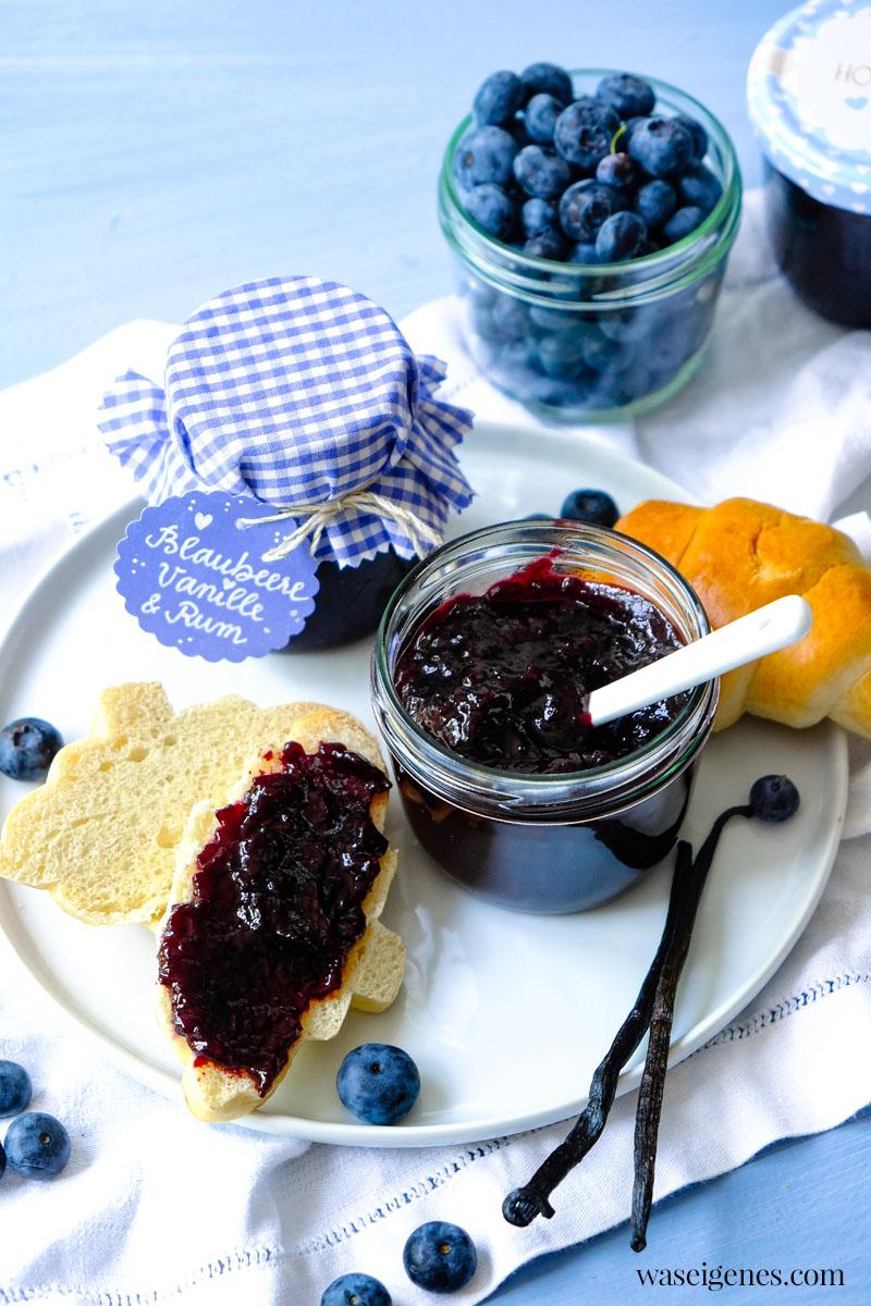 Rezept: Blaubeermarmelade mit Vanille & Rum - schnell gekocht in der Küchenmaschine  | waseigenes.com