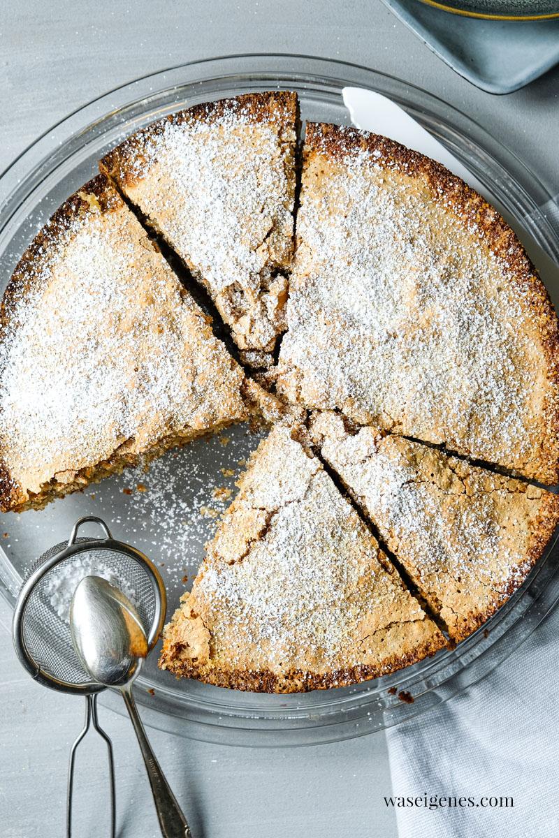Rezept: Mandelkuchen mit nur drei Zutaten - ohne Mehl | #Kuchen #Mandelkuchen #Dessert | waseigenes.com