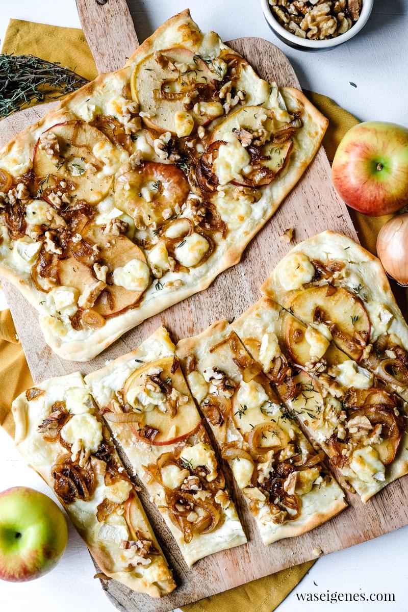 Rezept: Flammkuchen mit Apfel, Brie, süßen Zwiebeln und Walnüssen | waseigenes.com