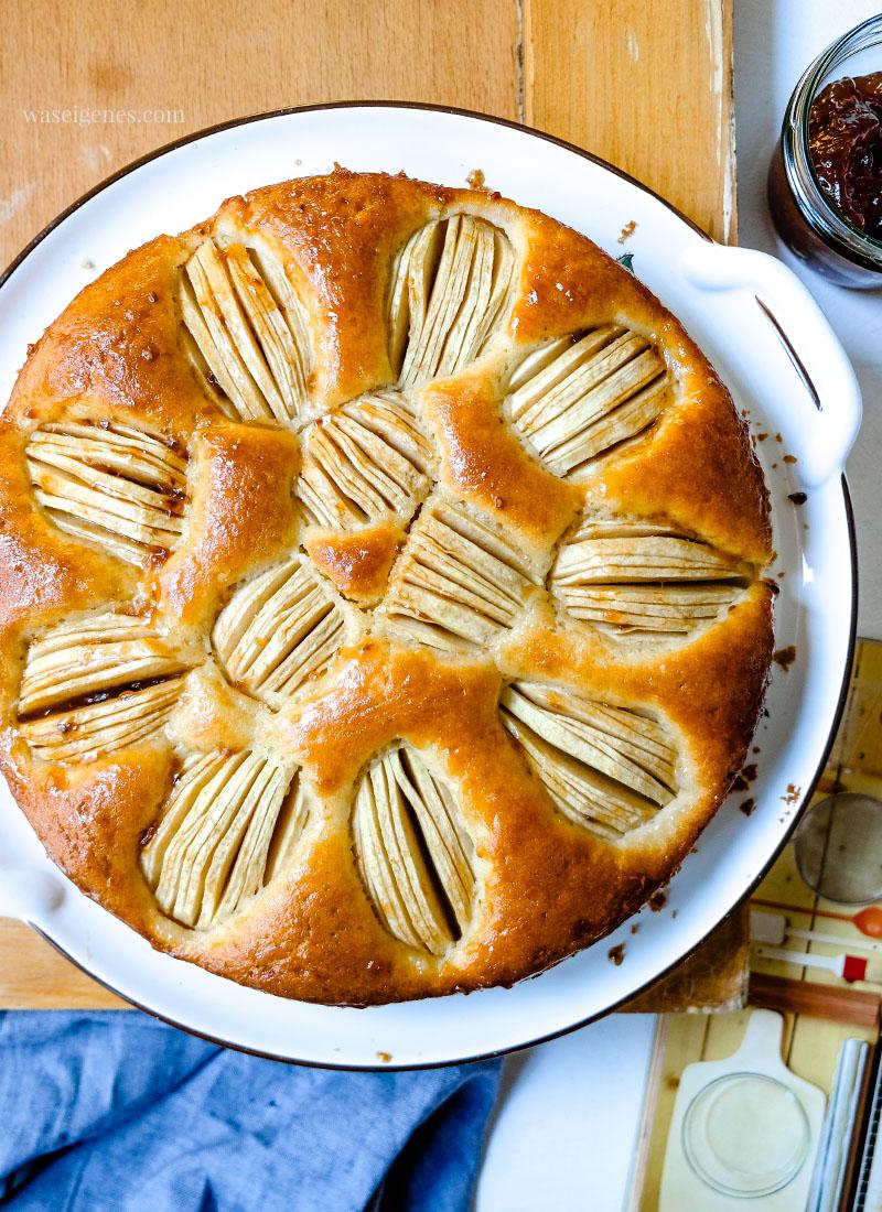 Rezept für einen versunkenen Apfelkuchen | Einfacher und schneller Apfelkuchen | waseigenes.com