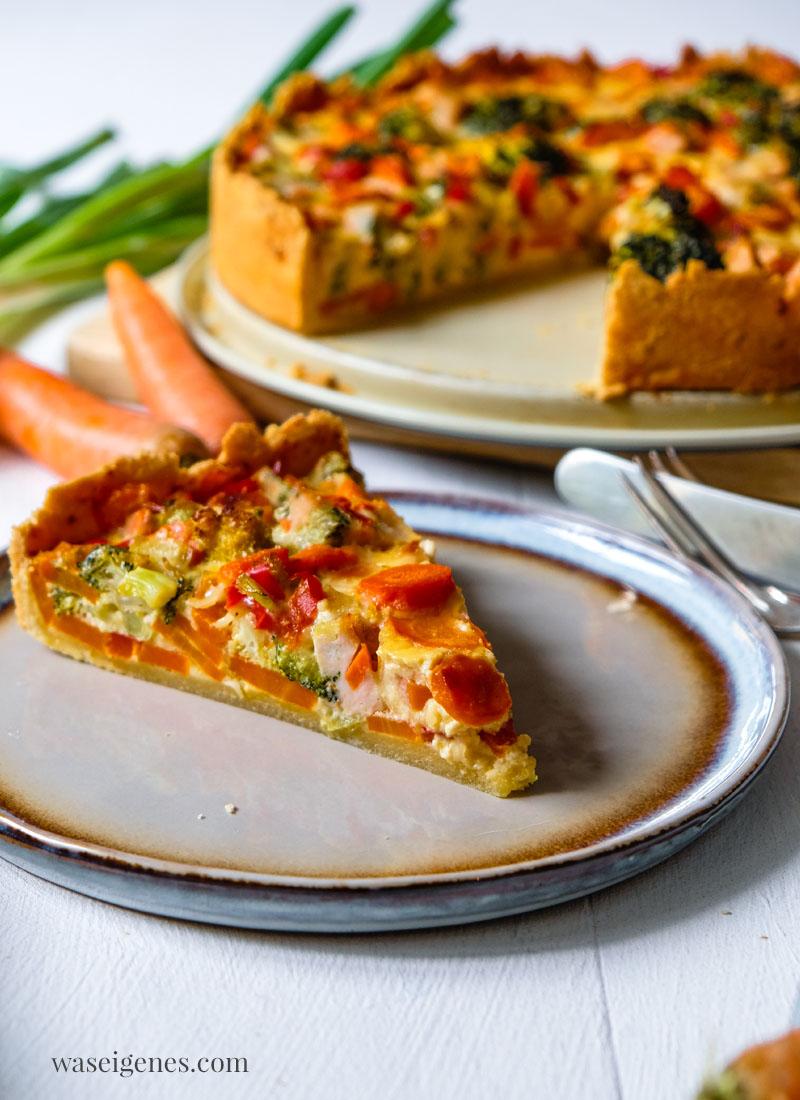 Rezept für ein saftig herzhafte Gemüsequiche mit Brokkoli, Möhren, Paprika und gegarter Hähnchenbrust | waseigenes.com