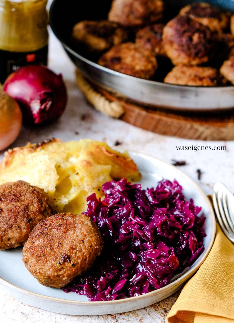 Rezept: Frikadellen mit Kartoffelgratin und Rotkohl | Rezepte für die Familie | Was koche ich heute? | Rezepte für jeden Tag | waseigenes.com