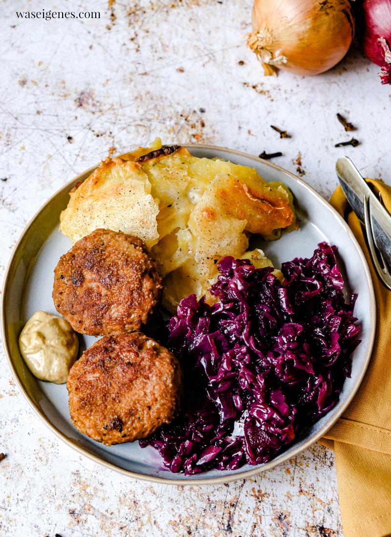 Rezept: Bouletten mit Kartoffelgratin und Rotkohl | Rezepte für die Familie | Was koche ich heute? | Rezepte für jeden Tag | waseigenes.com