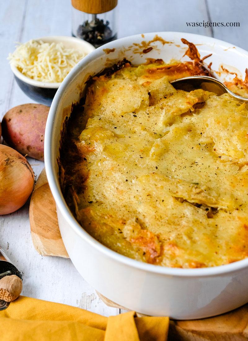 Rezept: Kartoffelgratin - Ofengericht-  mit Kartoffeln, Crème Leicht, Zwiebel & Muskatnuss | waseigenes.com | Was koche ich heute? Rezepte für die Familie