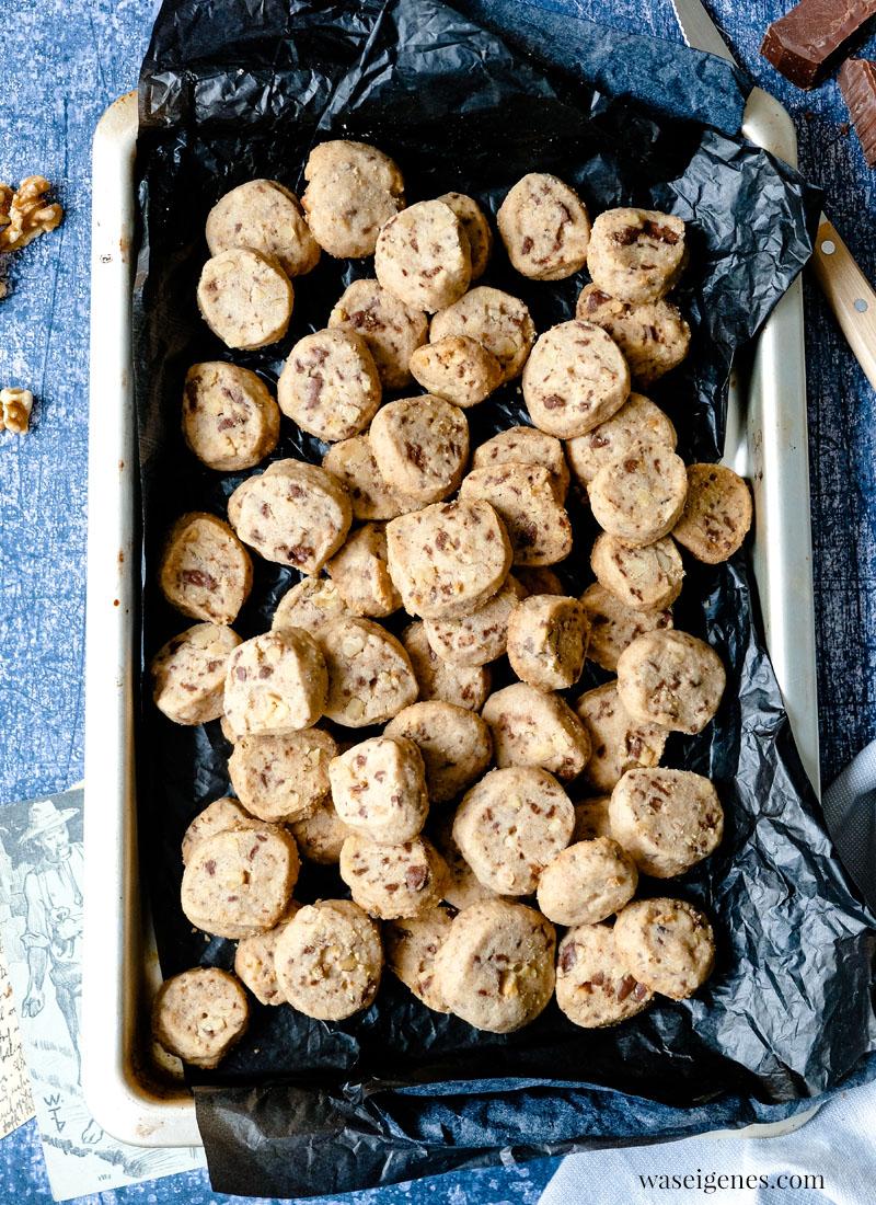 Rezept: Schoko-Walnuss-Kekse | waseigenes.com | Weihnachtsplätzchen, Rezepte für die Familie, Rezepte für jeden Tag
