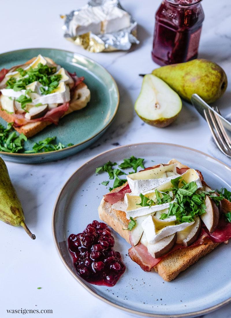 Toast mit Camembert, Birne und Schwarzwälder Schinken | waseigenes.com | schnelle und einfache Rezepte