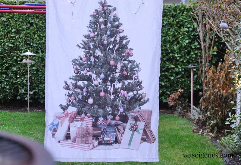 12 von 12 im Dezember 2020 | Mein Tag in Bildern | waseigenes.com | Weihnachtsbaum auf Stoff
