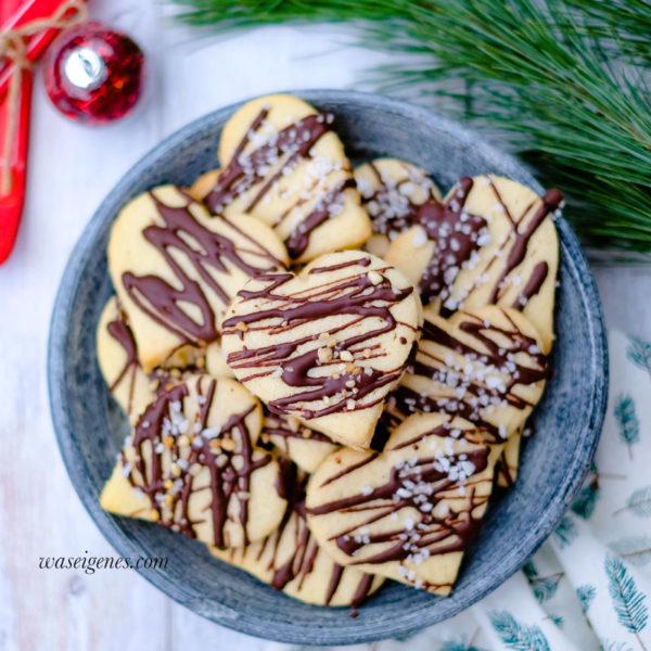 Rezept: Grießplätzchen mit Schokolade, Krokant und Hagelzucker | waseigenes.com | Weihnachtsplätzchen
