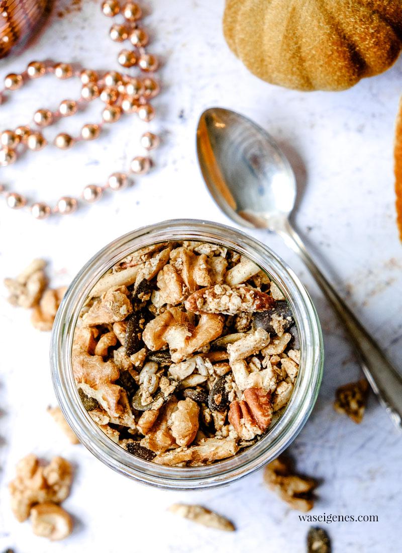 Rezept: Weihnachtsmüsli selber machen mit Walnüssen, Pekannüssen, Mandeln und Zimt | waseigenes.com