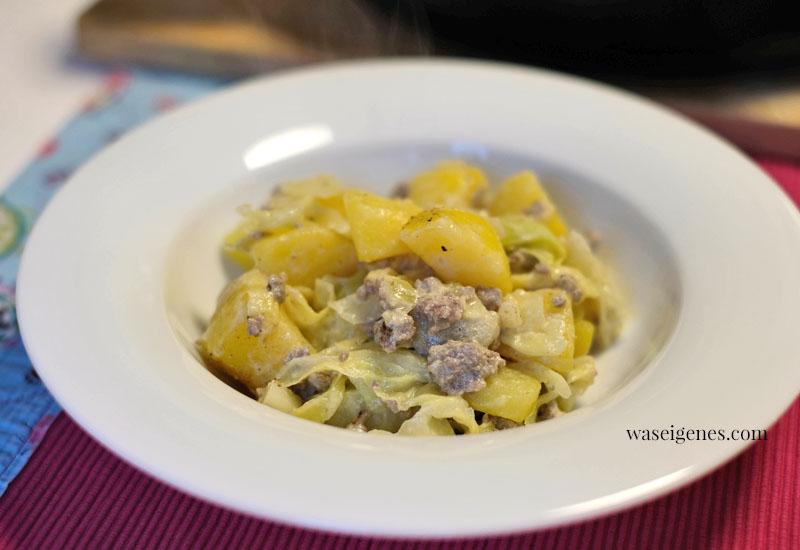 12 von 12 im Januar 2021   Mein Tag in Bildern   waseigenes.com   Mittagessen: Spitzkohl-Kartoffeln-Hack-Pfanne   Was koche ich heute?