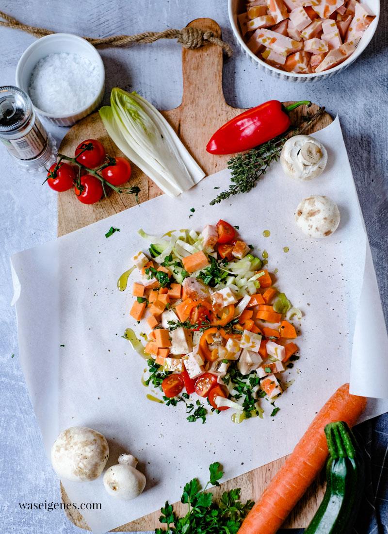 Gemüse im Backpapier gegart - dazu gibt es Basmati Reis und Brot. Ein schnelles und schmackhaftes Mittagessen für die Familie | Was koche ich heute? | waseigenes.com