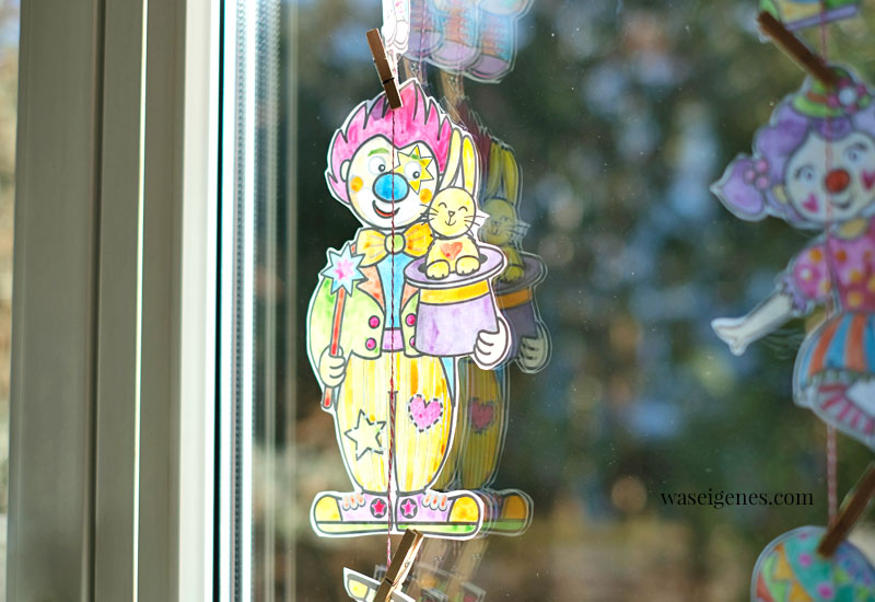 12 von 12 im Februar 2021 - Mein Tag in Bildern | eine monatliche Kolumne | waseigenes.com | Clowns Fensterdeko