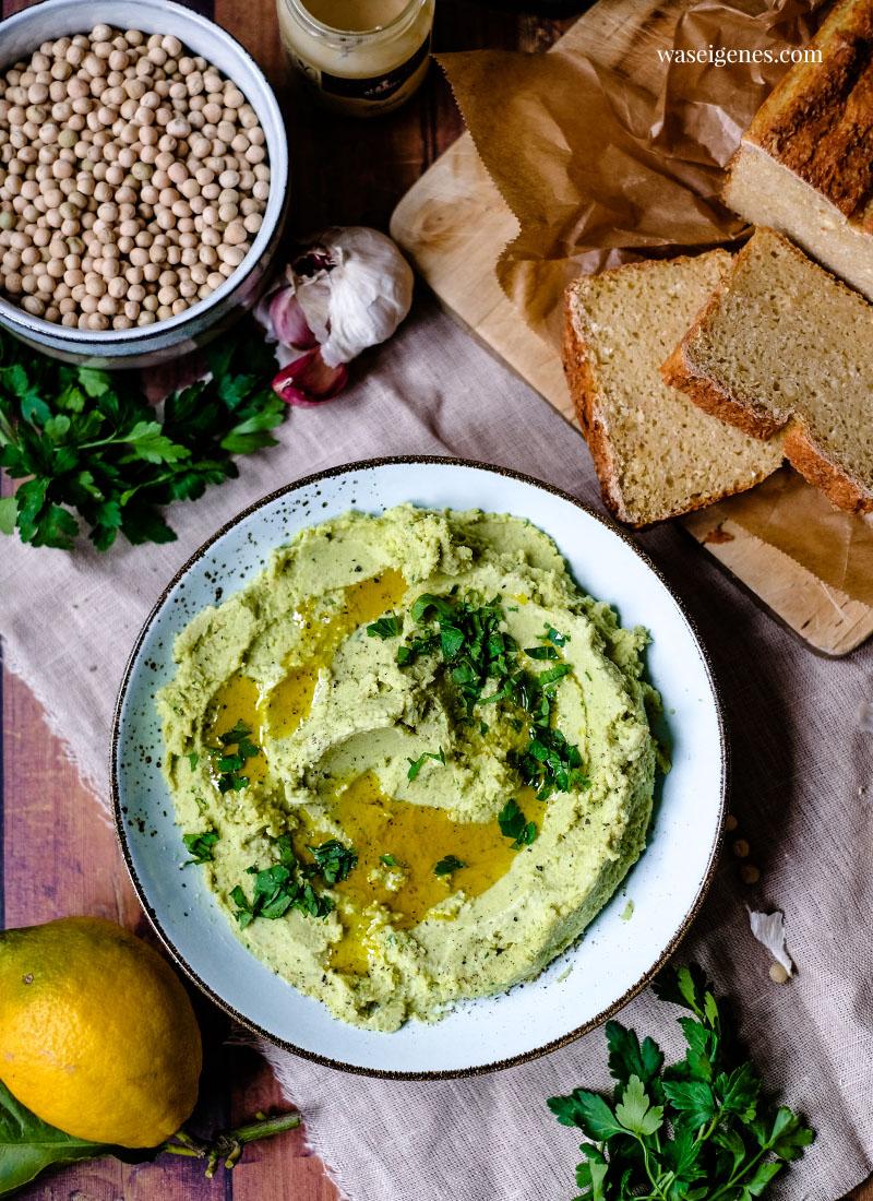 Rezept: Erbsen Hummus mit Petersilie und Rapsöl | waseigenes.com
