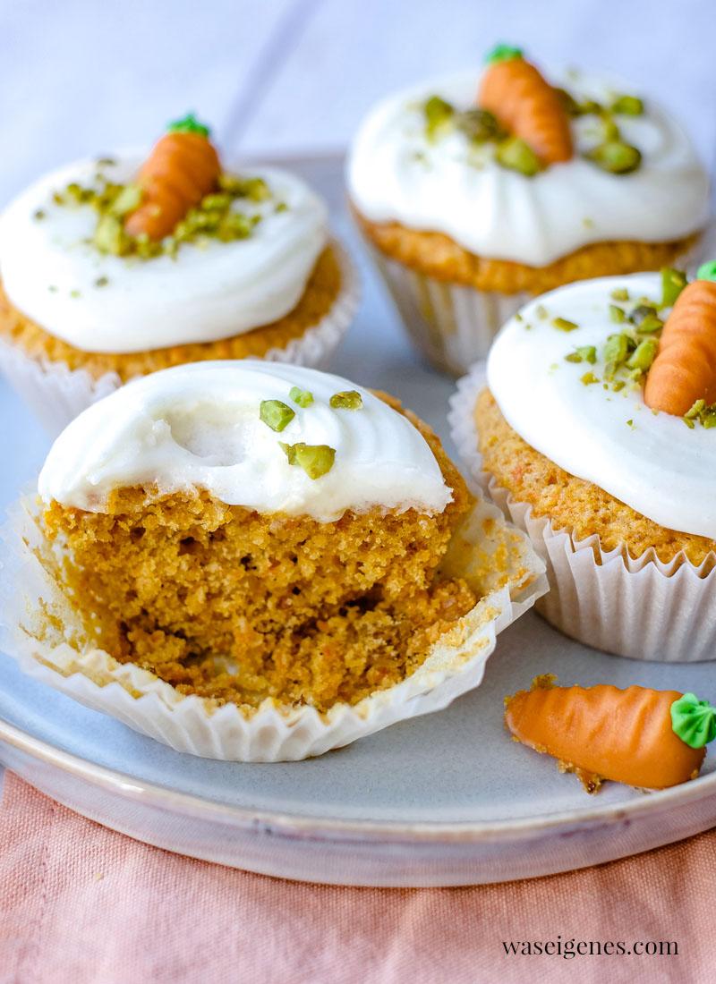 Rezept: Möhrenmuffins mit Cream Cheese Frosting und Pistazien | waseigenes.com