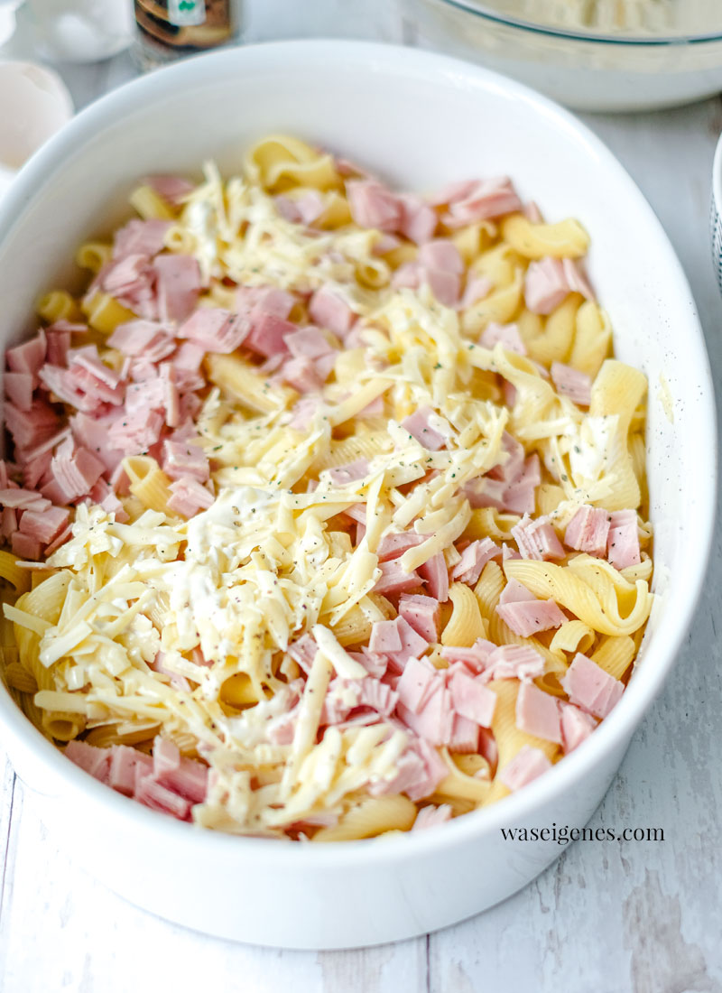 Was koche ich heute? Rezept für einen Nudel-Schinken-Auflauf. Schnelle und einfache Rezept Idee - das mögen Kinder #Ofengericht #Auflauf | waseigenes.com