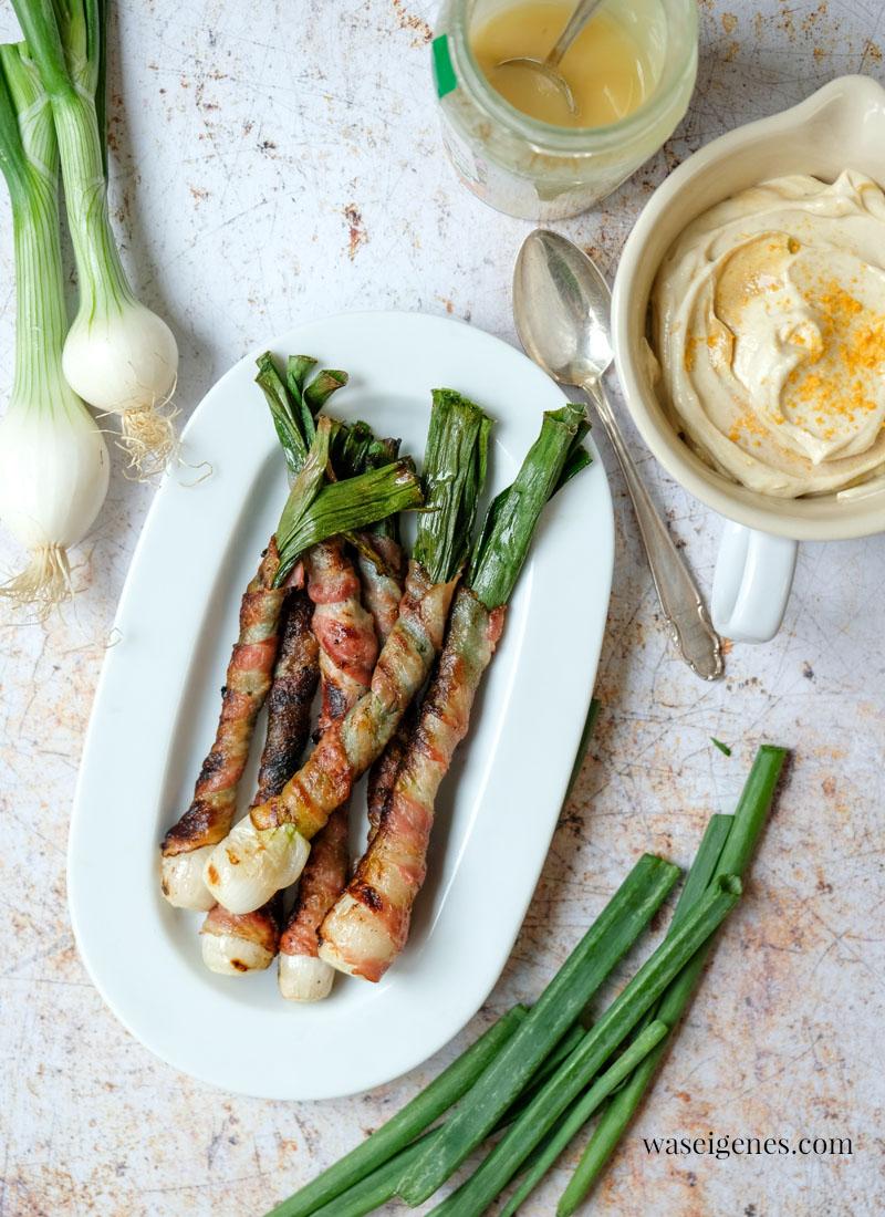 Rezept zum Grillen: Bacon Lauchzwiebeln | Frühlingszwiebeln im Speckmantel | Honig-Senf-Dip | waseigenes.com
